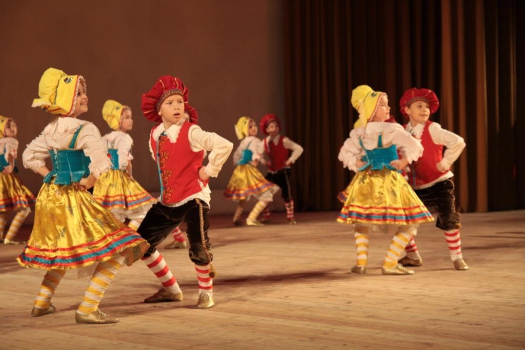 Официальный бранль схема танца 189
